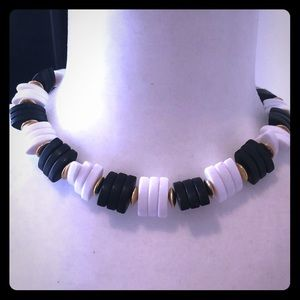 Jewelry - Adjustable collar necklace